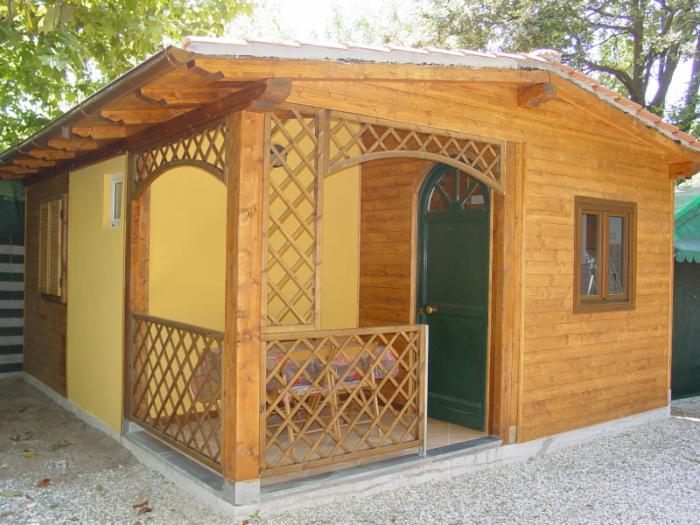 Bungalow venezia camping luni a marina di massa for Fantastici disegni di bungalow